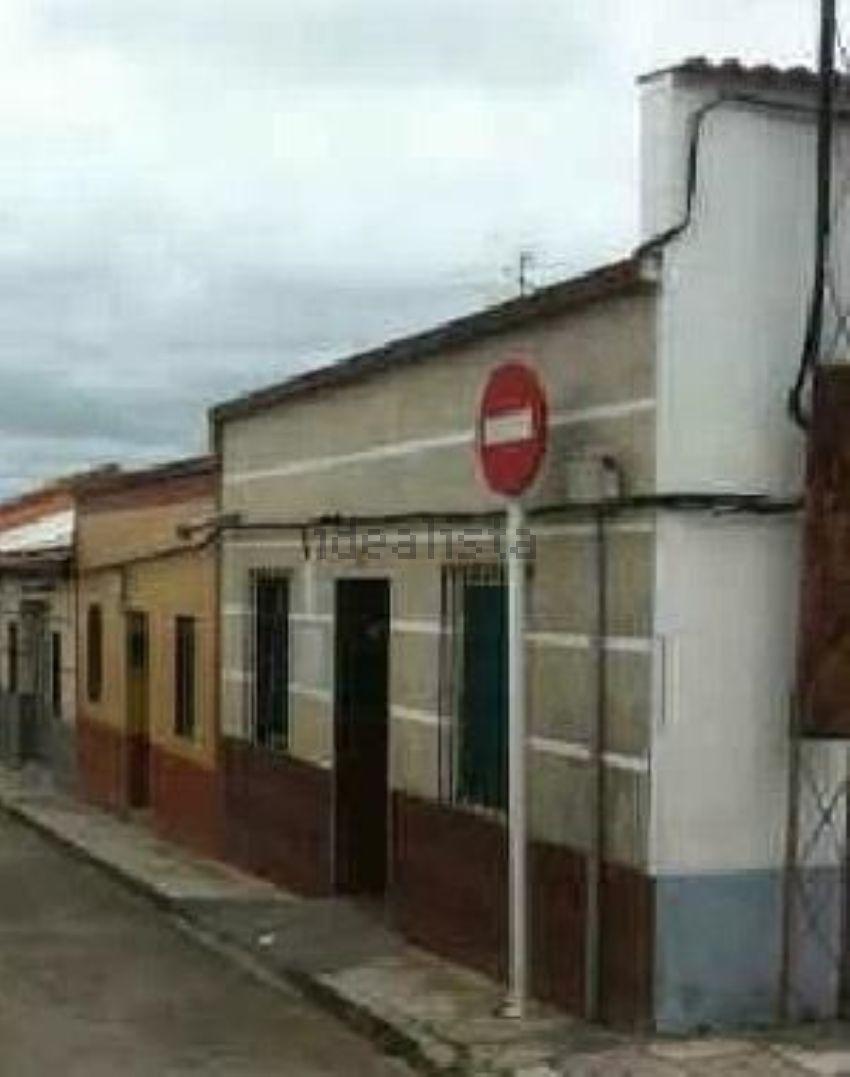 Chalet en calle garibaldi, Peñarroya-Pueblonuevo