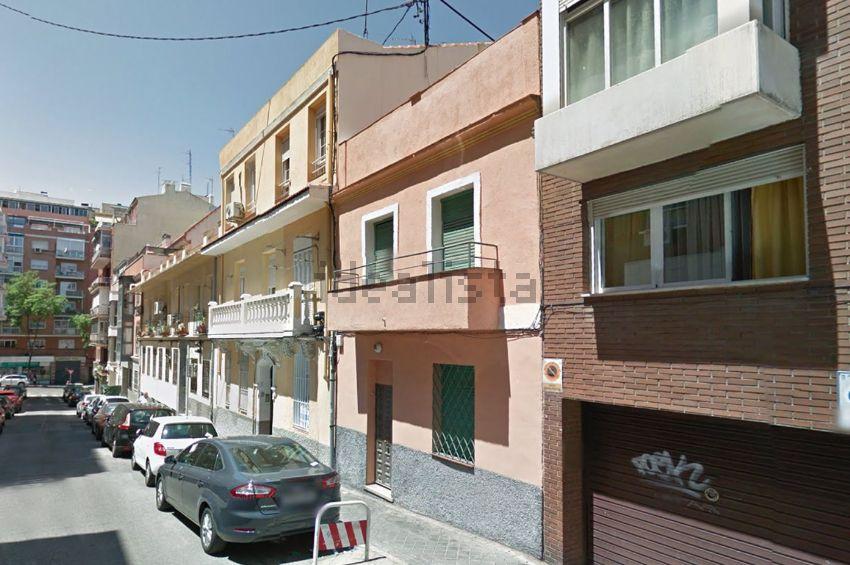 Chalet adosado en calle de Sambara, Quintana, Madrid