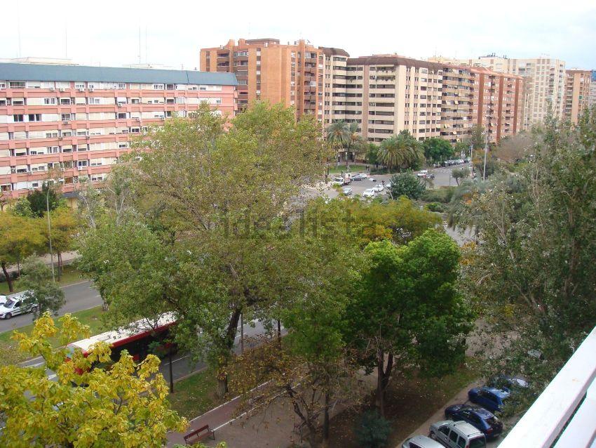 Piso en L Amistat, València