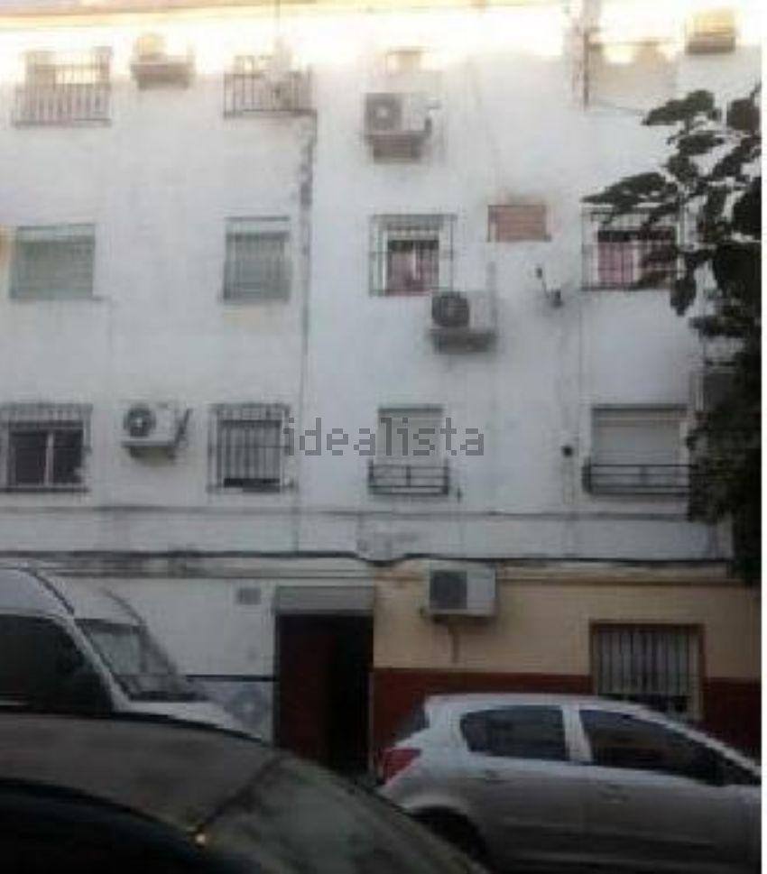 Piso en calle cedro, Torreblanca, Sevilla