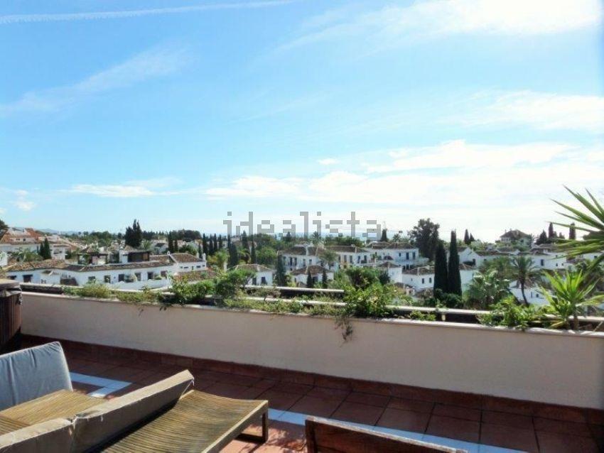 Piso en calle sierra bermeja, Lomas de Marbella Club-Puente Romano, Marbella