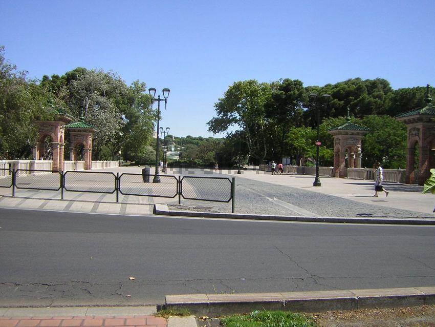 Piso en calle de Pedro Cerbuna, Universidad San Francisco, Zaragoza