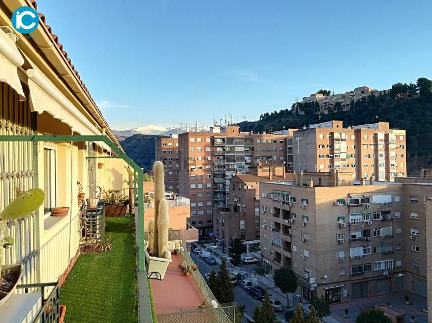 Piso en paseo de las palmas, Ctra Sierra - Acceso Nuevo Alhambra, Granada