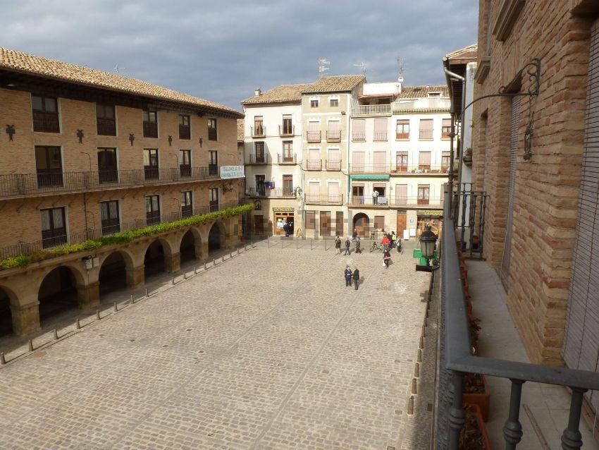 Piso en plaza Julián Mena, 1, Puente la Reina