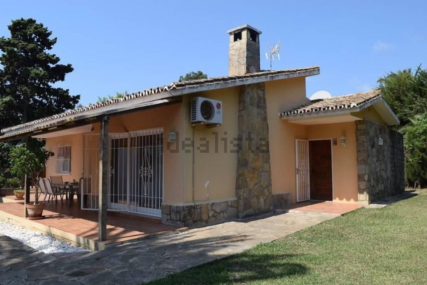 Chalet en Benamara-Atalaya, Estepona