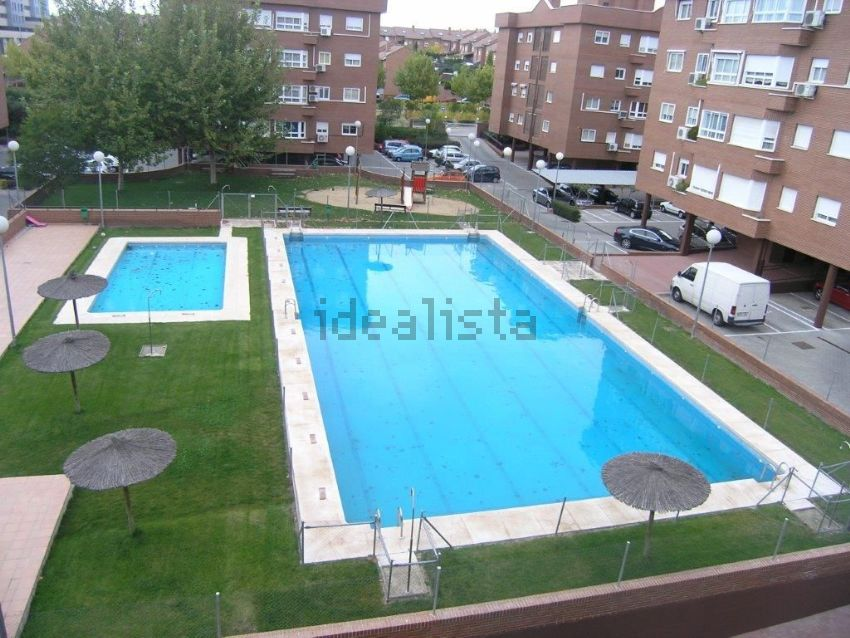 Alquiler pisos en rivas vaciamadrid good pisos en for Piscina rivas