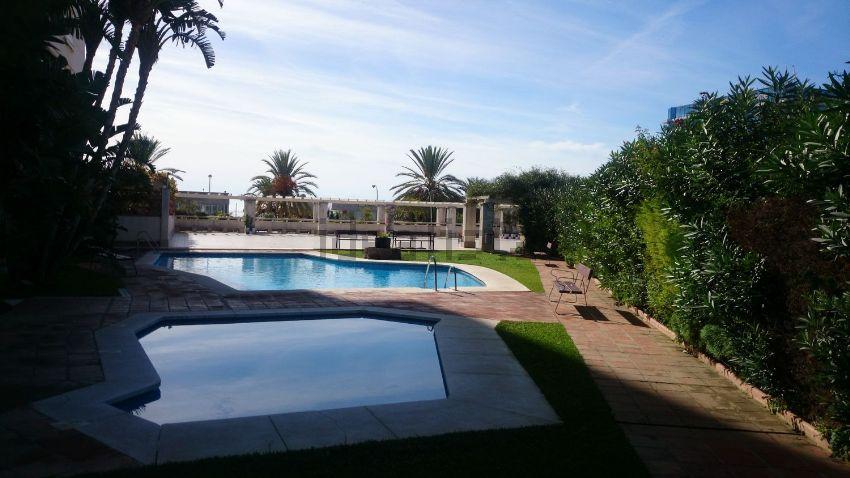 Piso en calle Zinc, La Puya - La Ermita, Marbella