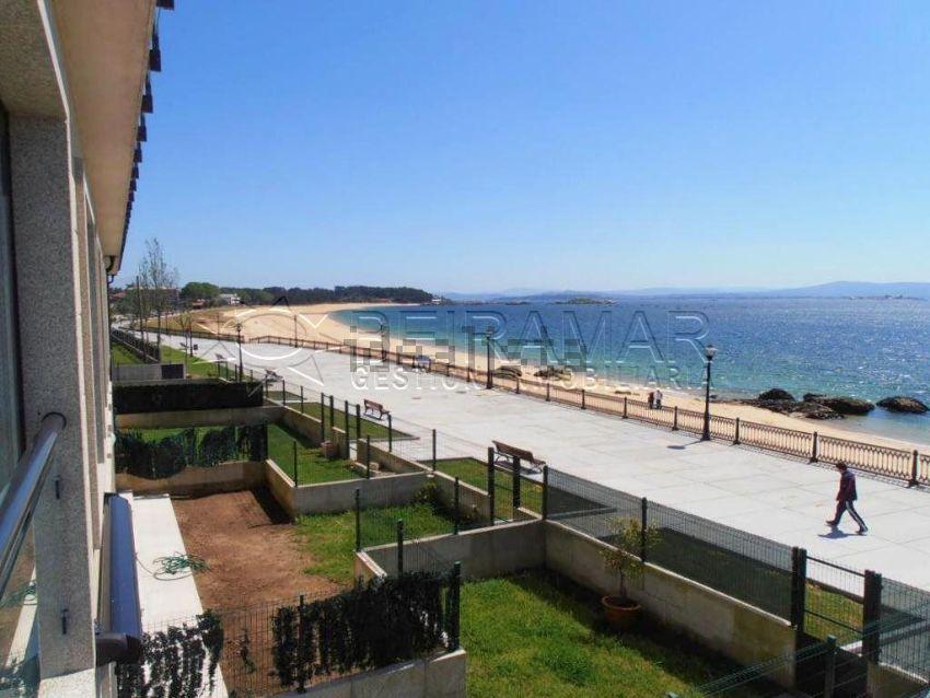 Piso en avenida de la Coruña, Ribeira