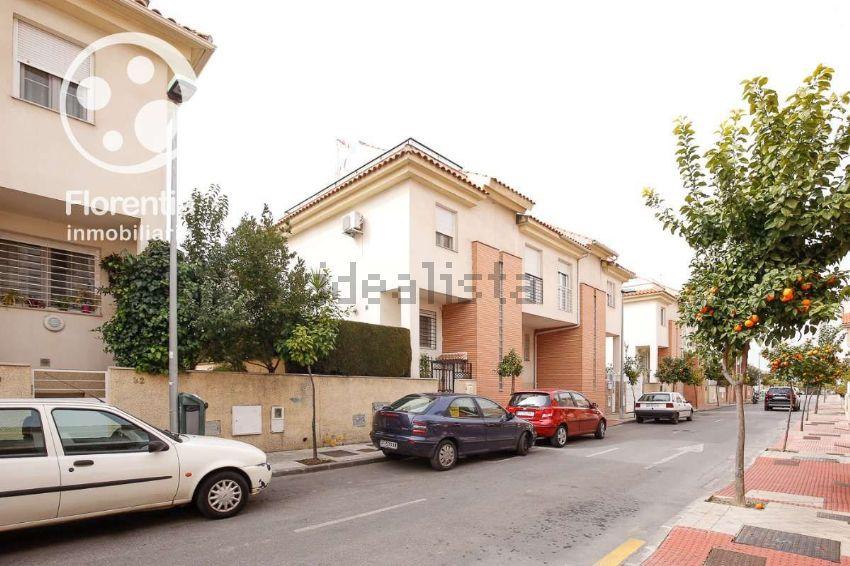 Chalet adosado en calle Santiago Grisolía, San Miguel, Armilla