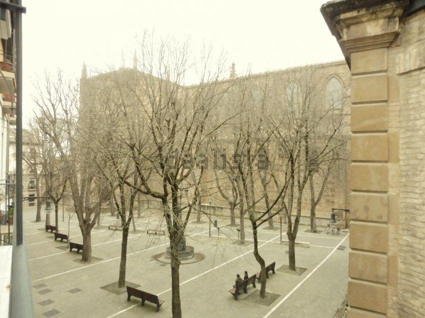 Muebles San Jose Pamplona. Ubicada En El Norte De La Pennsula Ibrica ...