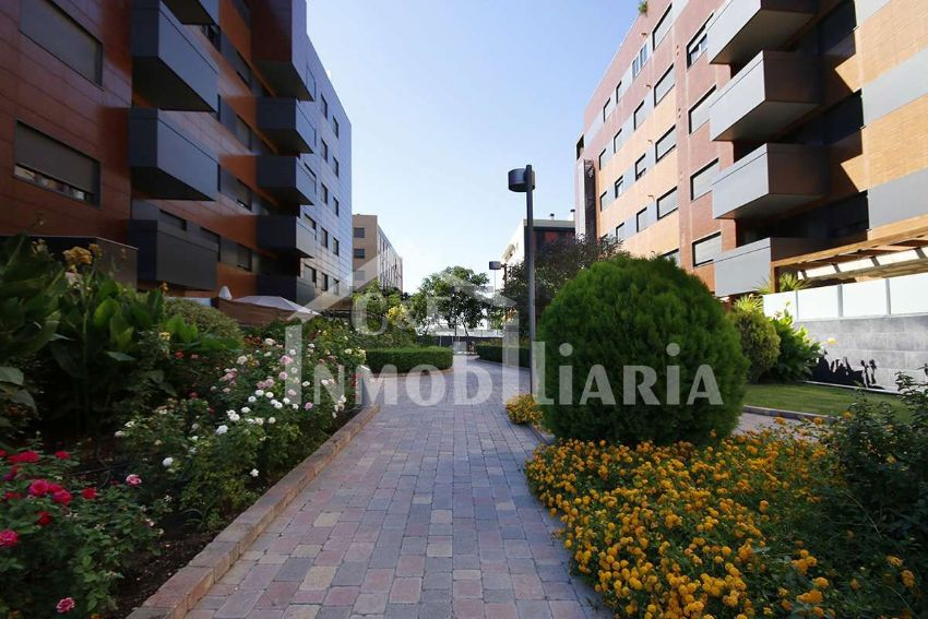Piso en calle Emir, s n, Parque Lagos, Granada