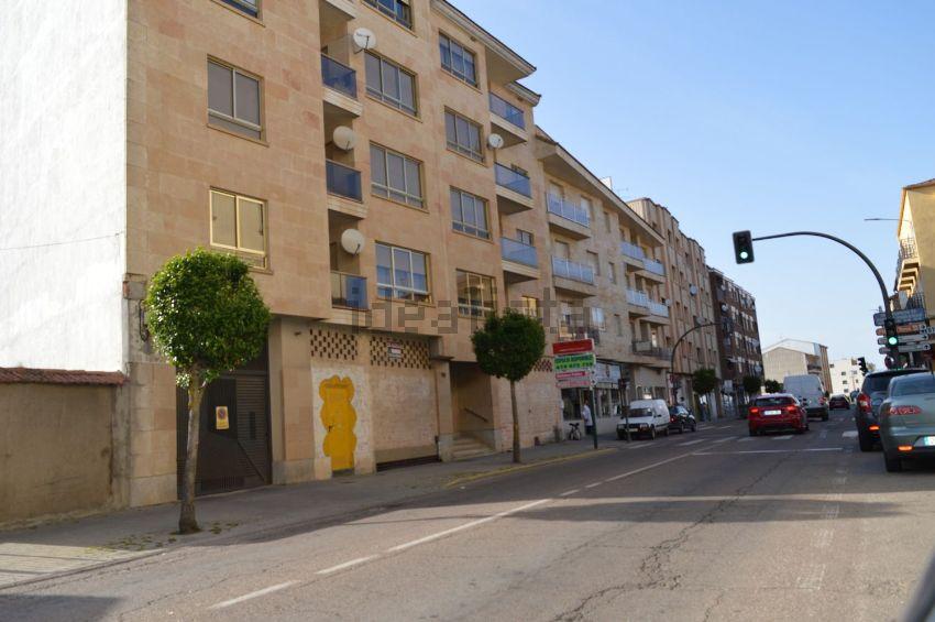 Piso en calle Filiberto Villalobos, Guijuelo