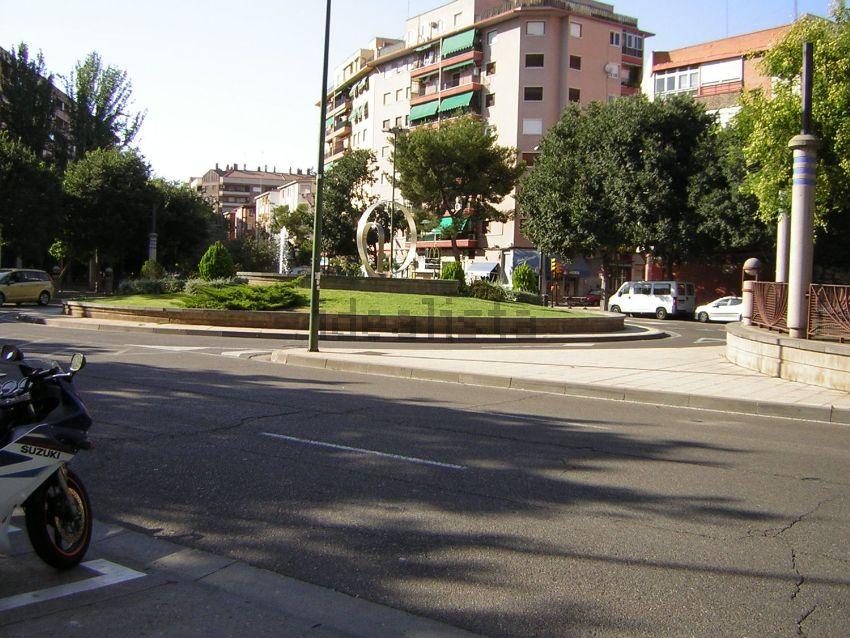 Piso en avenida de la Almozara, Almozara, Zaragoza