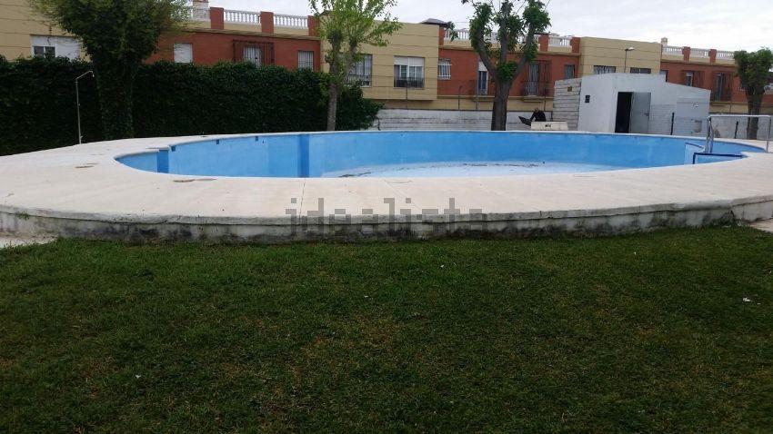 Piso en calle parque giralda, La Hacienda - Nueva Andalucía, Dos Hermanas