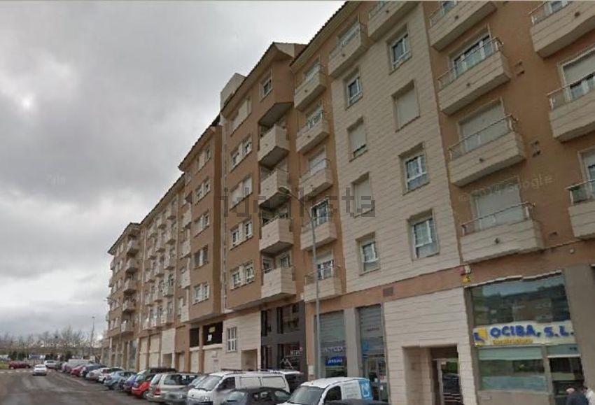 Piso en calle Salvaleón, Maria Auxiliadora - Barriada LLera, Badajoz