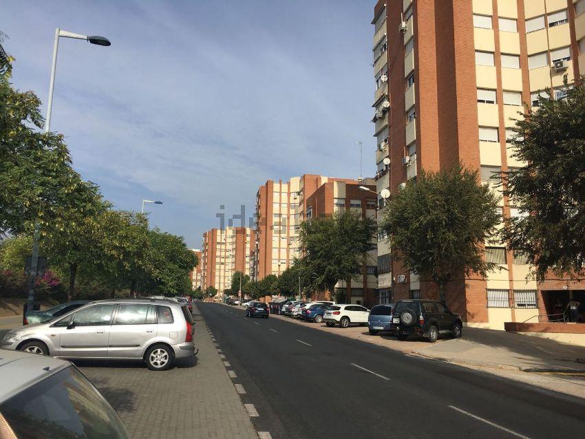 Piso en avenida de la Cinta, La Orden, Huelva