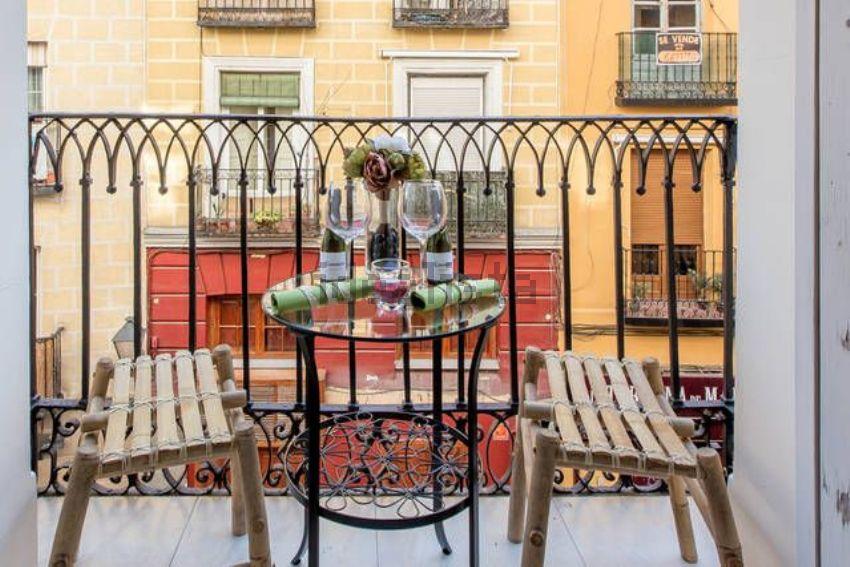 Piso en calle Cava Baja, Palacio, Madrid
