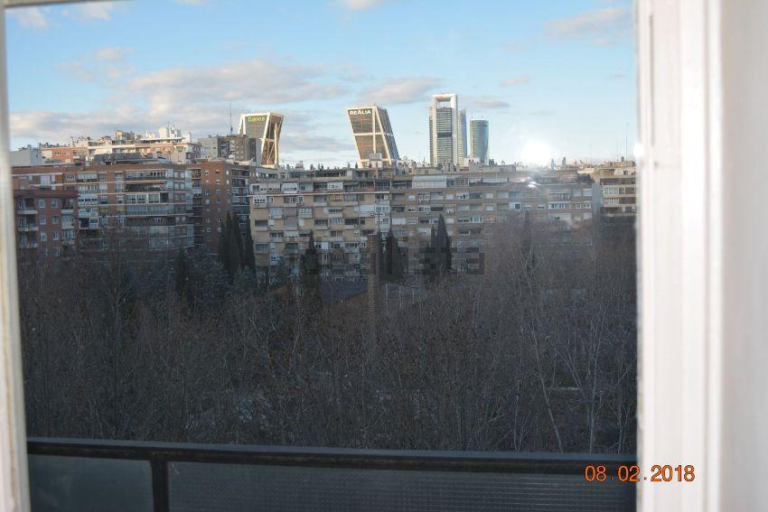 Piso en avenida de Alberto de Alcocer, 10, Bernabéu-Hispanoamérica, Madrid