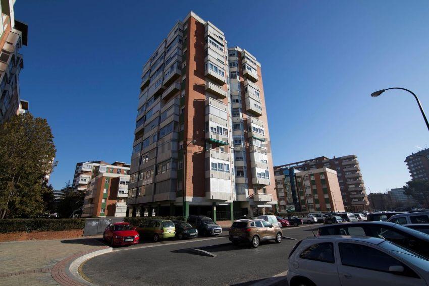 Piso en calle Calixto Valverde, 8, Huerta del Rey, Valladolid