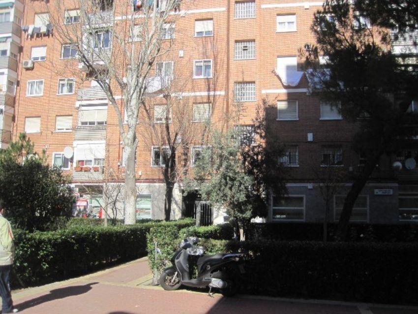 Piso en calle de Illescas, 191, Aluche, Madrid