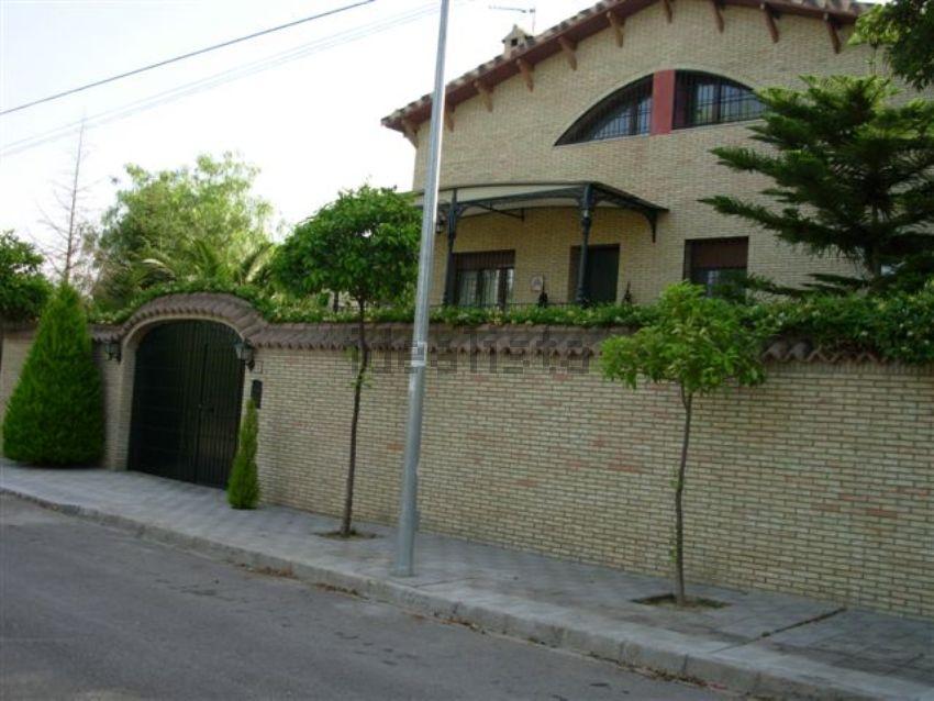 Casa o chalet independiente en venta en calle Cerro de la Tarjeta ...