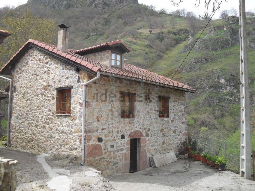 Casas de pueblo baratas para disfrutar del oto o idealista news - Casas baratas en pueblos de valencia ...