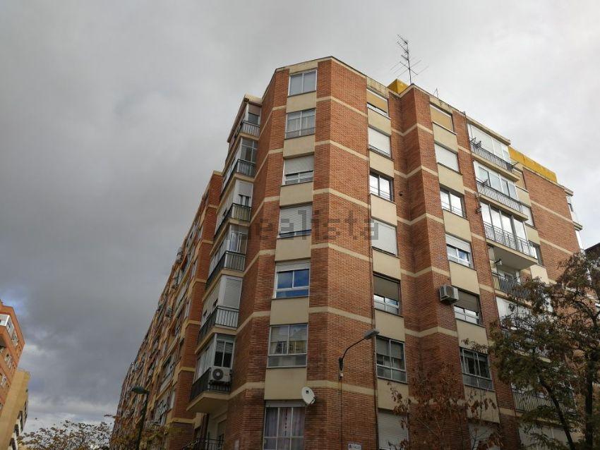 Piso en calle Escultor Ramírez, San José Alto, Zaragoza