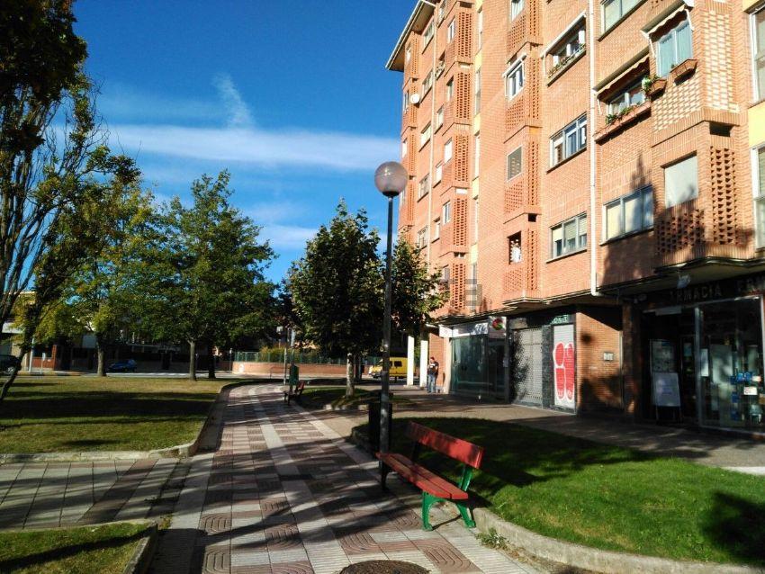 Piso en calle de Irunlarrea, Mendebaldea, Pamplona Iruña