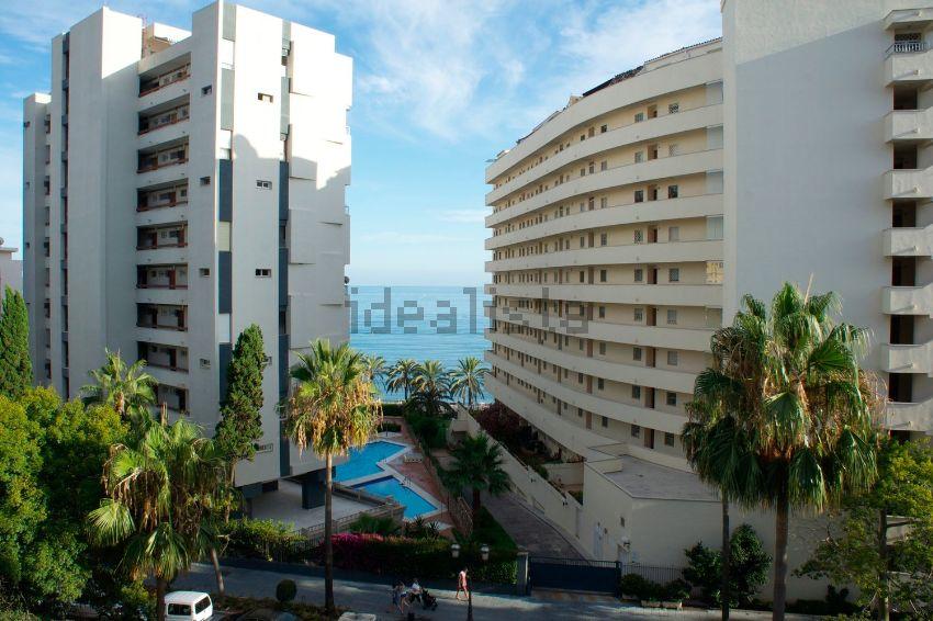 Piso en calle Camilo José Cela, 4, Playa de la Fontanilla, Marbella