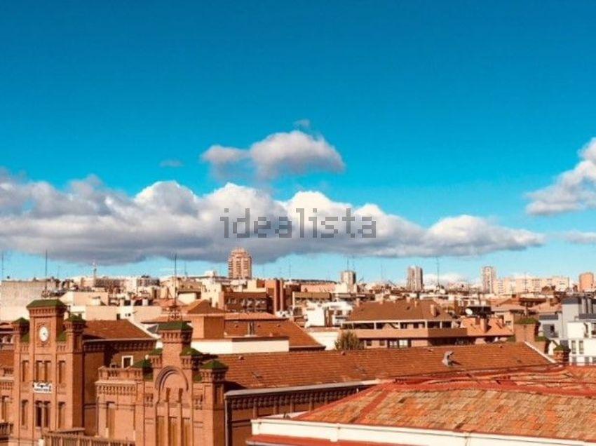 Piso en avenida Ciudad de Barcelona, 206, Adelfas, Madrid