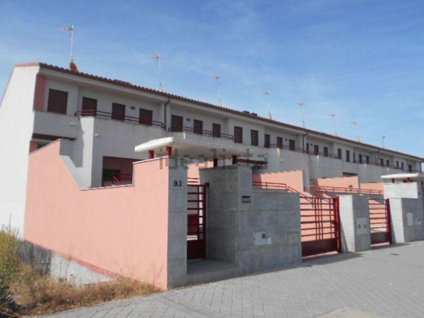 Chalet adosado en calle magnolio, 9, Sonsoles, Ávila