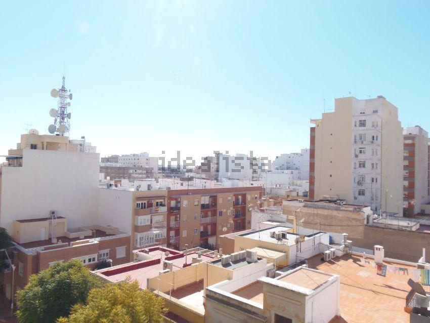 Piso en canga arguelles, 9, Altamira - Oliveros - Barrio Alto, Almería