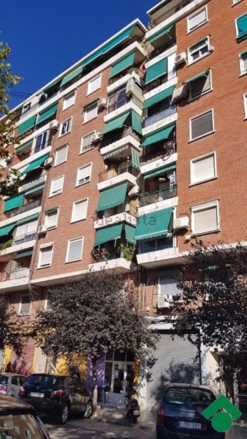Piso en calle del Pintor Maella, La Creu del Grau, València