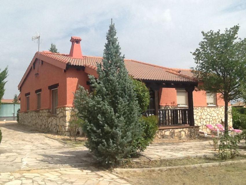 Casa o chalet independiente en calle Camino del Haya, Fresno de Cantespino
