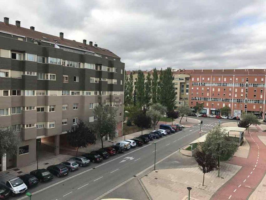 Piso en calle de Alfonso XI, Capiscol - Gamonal, Burgos