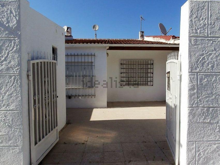 Chalet en calle Otoño, La Siesta - El Salado - Torreta, Torrevieja