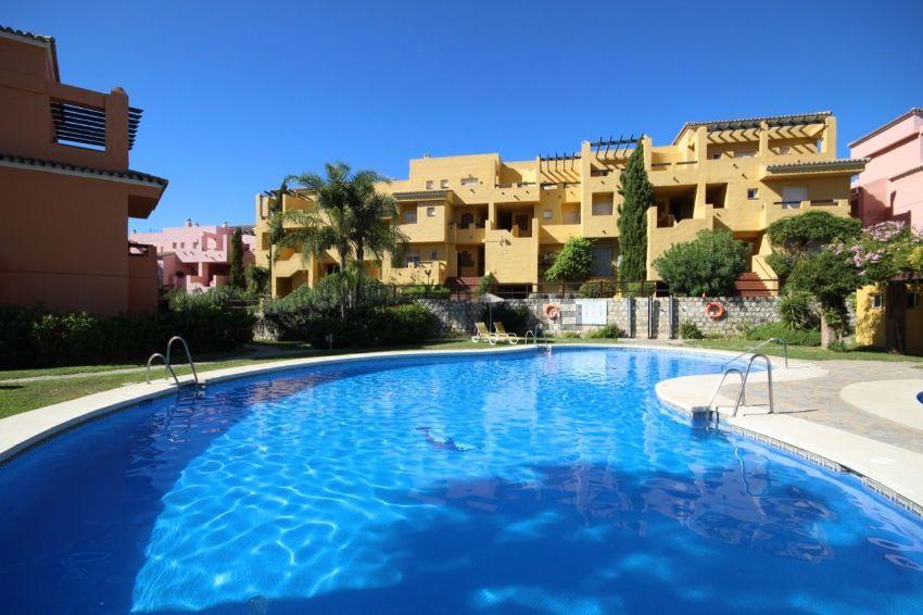 Dúplex en LOS CARTUJANOS, Guadalmina Alta, Marbella