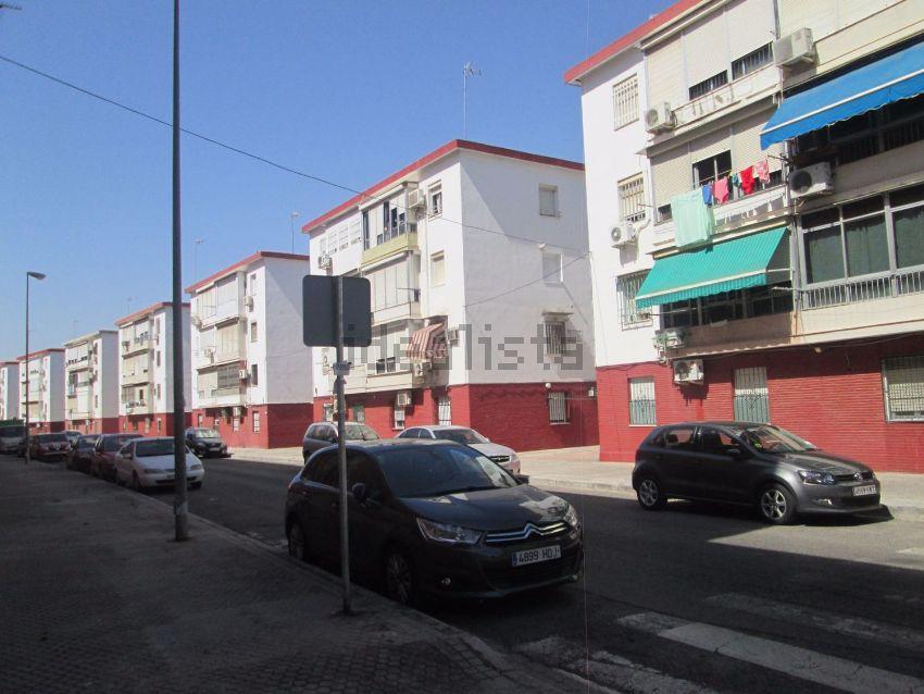 Piso en calle Cerro Muriano, Tiro de Línea, Sevilla