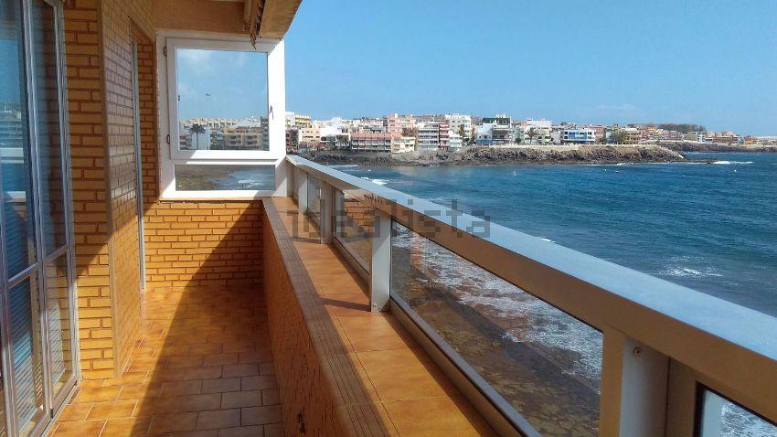 Piso en calle Cádiz, 3, Playa del Hombre - Taliarte - Salinetas, Telde