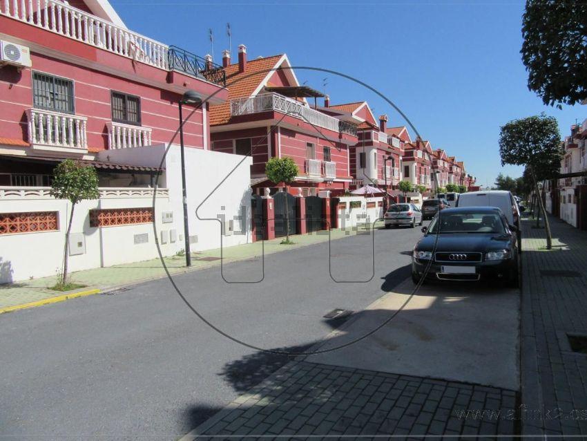 Chalet pareado en calle ingeniero antonio castillo, Corrales