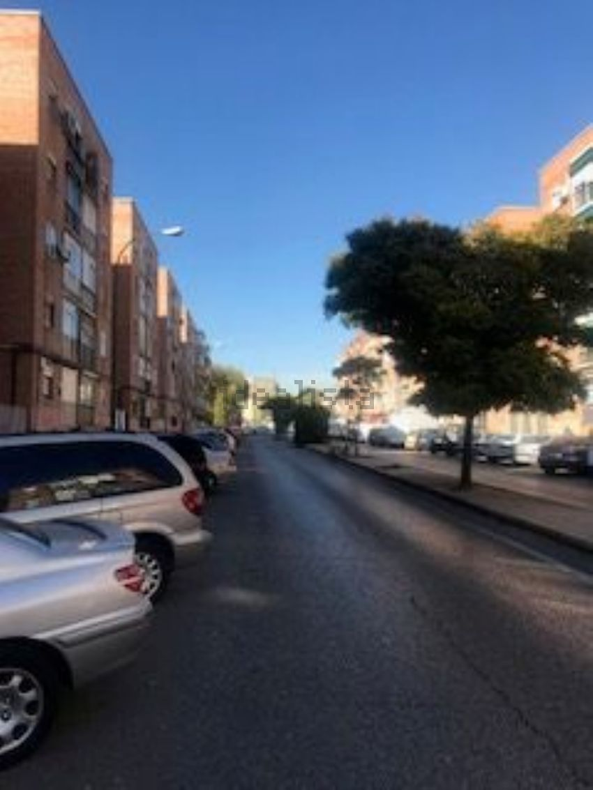 Piso en avenida nuestra señora valvanera, Vista Alegre, Madrid