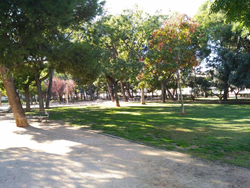Chalet pareado en calle Pedro Lucas Gallego, Ciudad Jardín - Parque Roma, Zarago