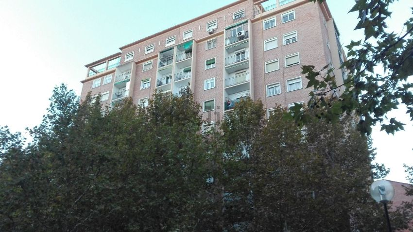 Piso en plaza Tauste, La Magdalena, Zaragoza