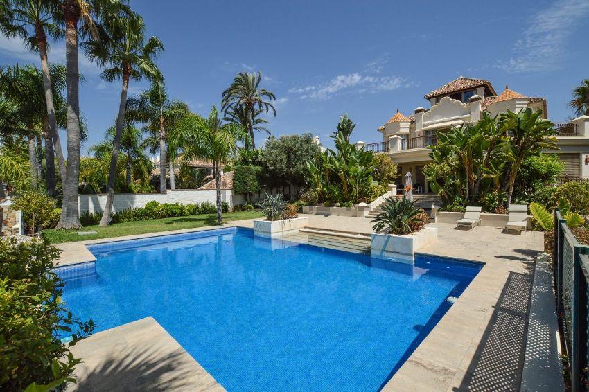 Casa o chalet independiente en avenida del Limonar, Las Chapas-Alicate Playa, Ma