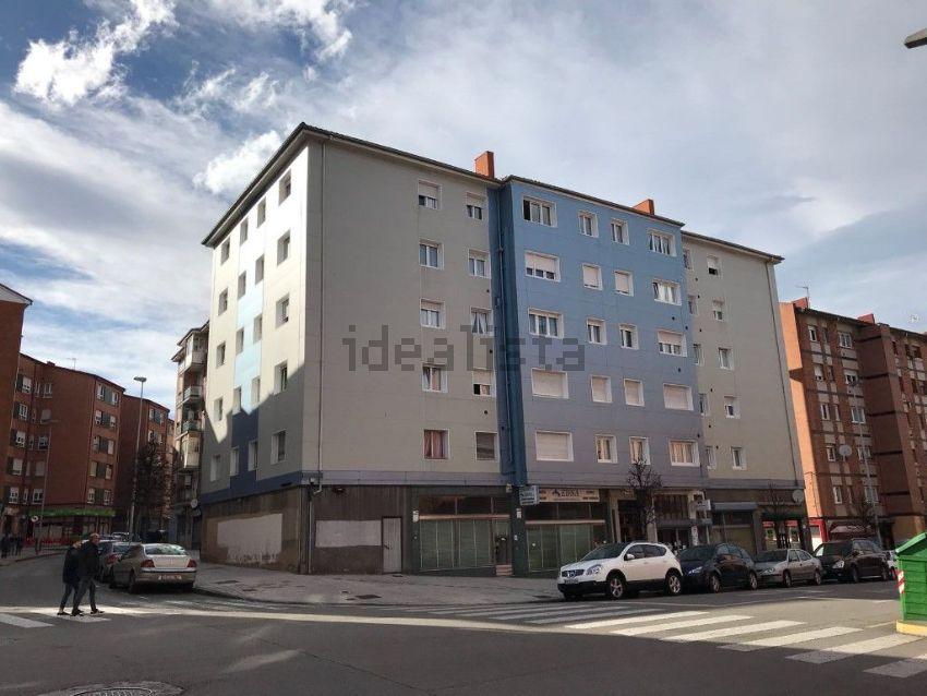Piso en calle Cataluña, Pumarín, Gijón