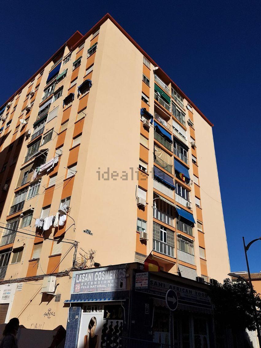Piso en calle Juan Antonio Delgado López, Cruz del Humilladero - Los Tilos, Mála