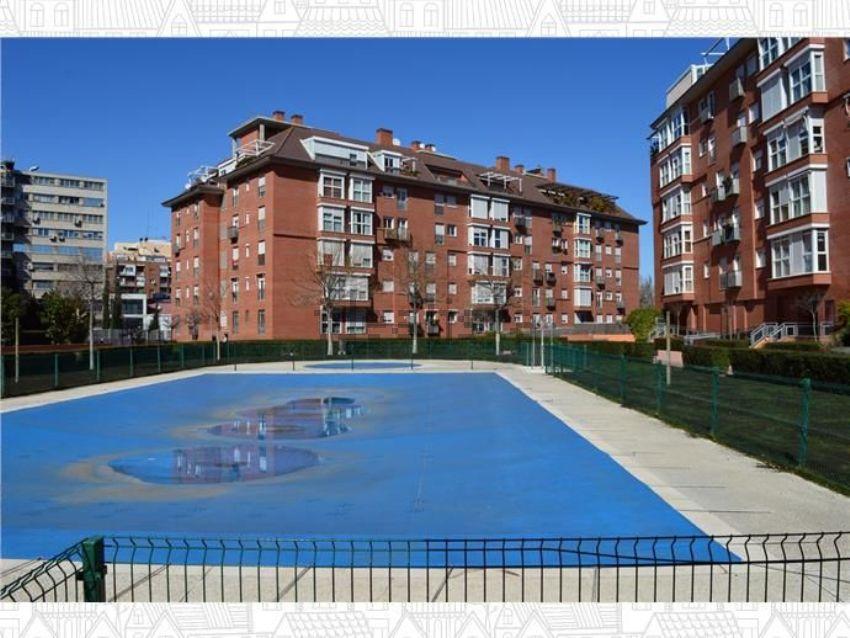 Piso en calle de Antonio López, 232, Almendrales, Madrid