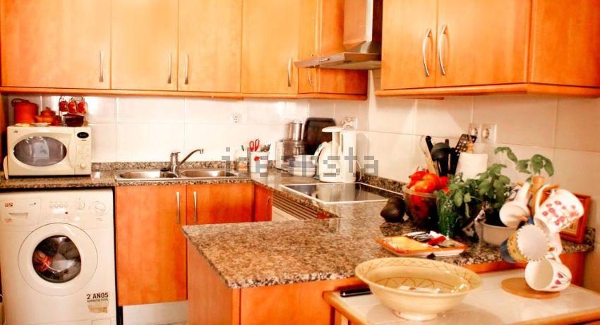 Imagen Cocina de dúplex en calle de Massenet, Fondo, Santa Coloma de Gramenet