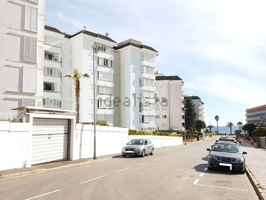 Los mejores pisos con piscina en alquiler idealista news for Pisos alquiler lloret de mar