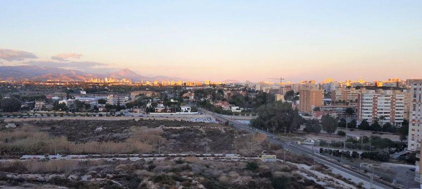 Piso en avenida de la Condomina, La Albufereta, Alicante Alacant